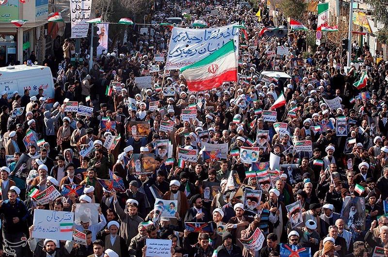 Resultado de imagem para Líder iraniano atribui protestos a 'inimigos externos'; entenda a crise que abala o país há quase uma semana