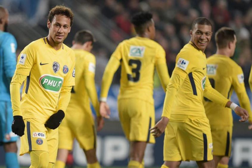 Resultado de imagem para Com 2 de Neymar, PSG bate Rennes e avança na Copa da França